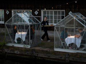 restaurants practicing social distancing